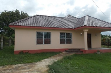 Santa Elena Belize - 3 Bed, 2 Bath House in Santa Elena, Cayo District