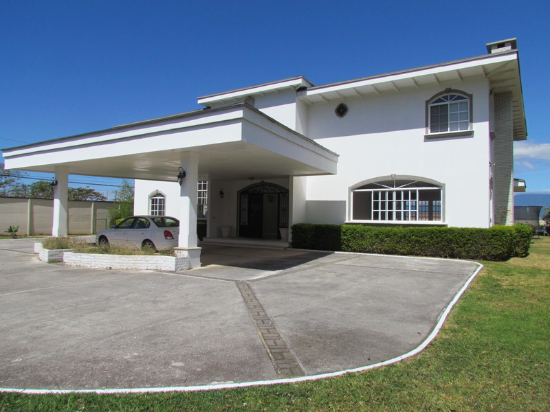 Real estate in santa ana costa rica price to sell for Costa rica home prices