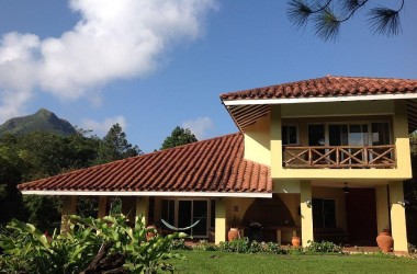 Anton Valley Panama - Spacious Mountain Villa in Panama's Famous Mountain Town