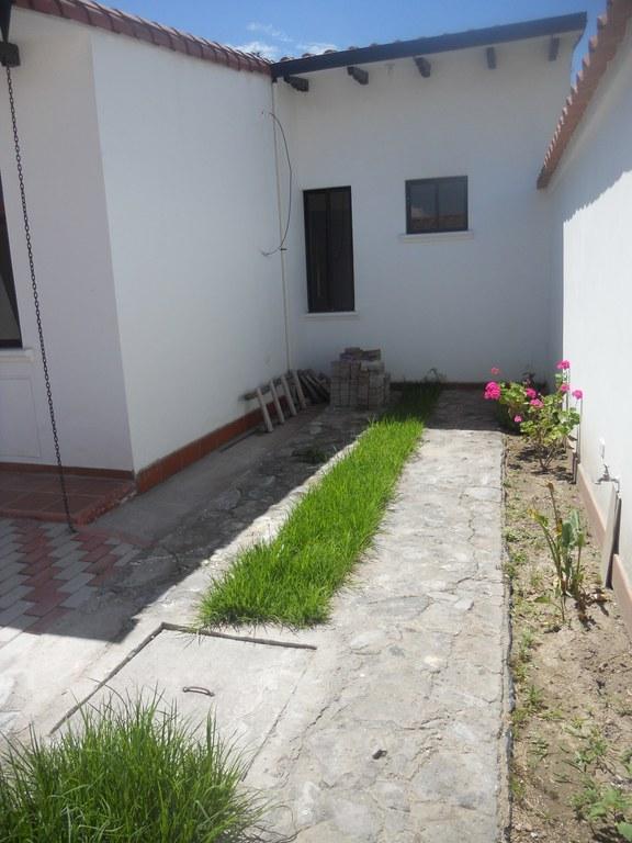 Cotacachi-Ecuador-property-RS1600634-2.jpg