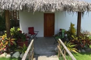 Olon Ecuador - Just A Few Short Blocks To The Olon Beach!!