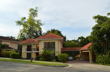 Panama City Panama - Best Price on Three-Bedroom Home in Camino de Cruces