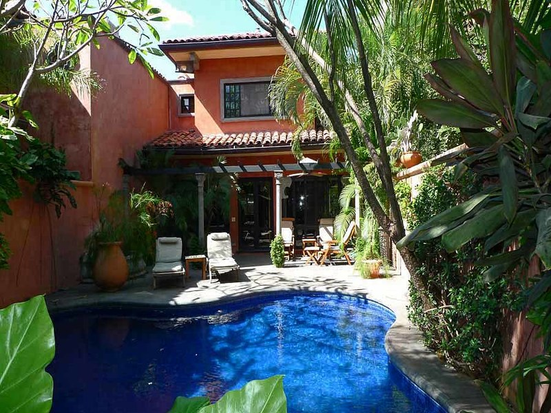 Real estate in tamarindo costa rica luxury villa across for Costa rica luxury villa