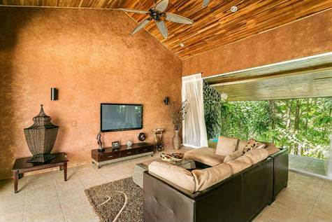 Manuel-Antonio-Costa-Rica-property-costaricarealestateMA072-6.jpg