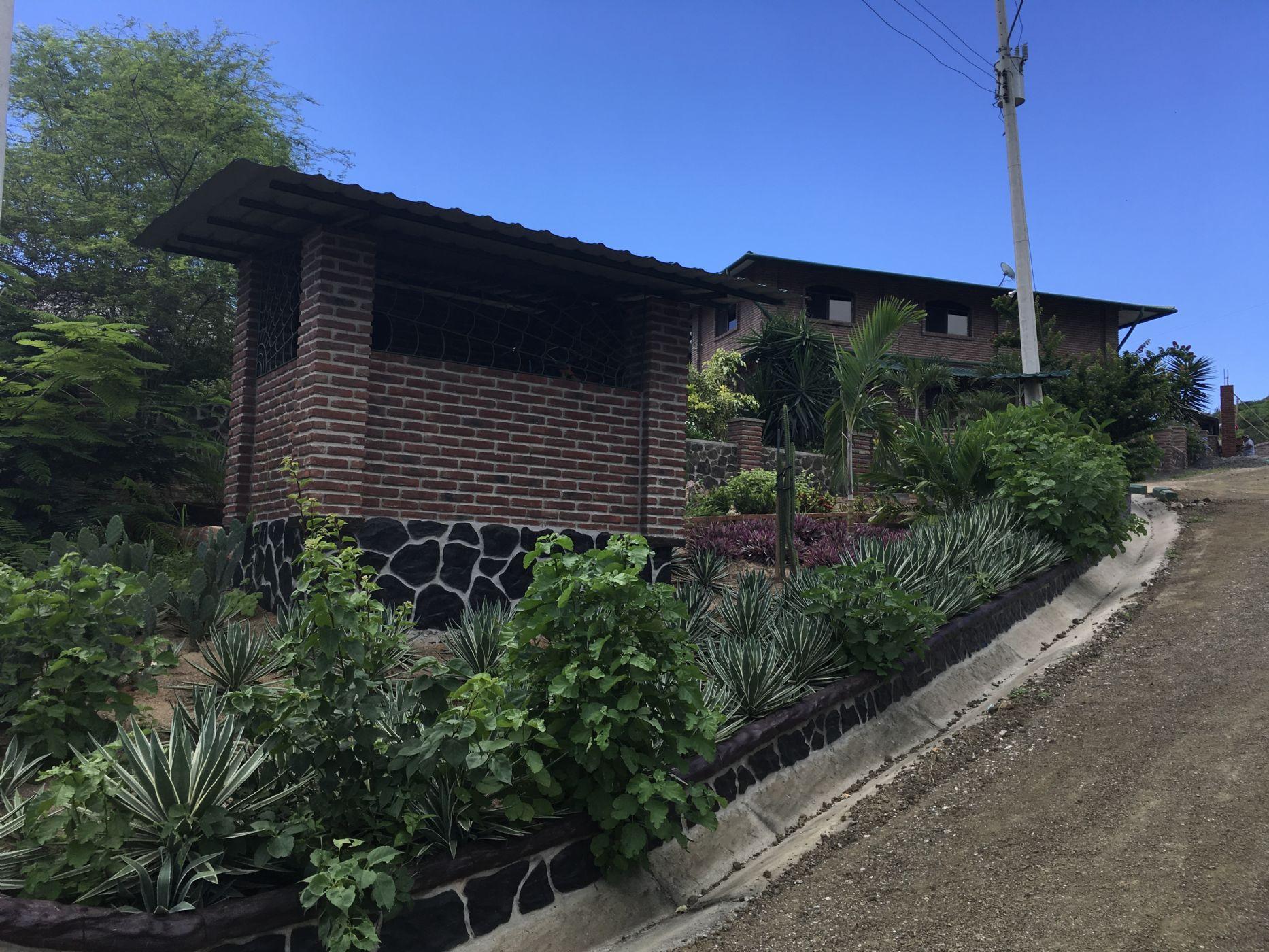 Puerto-Lopez-Ecuador-property-500544-1.JPG