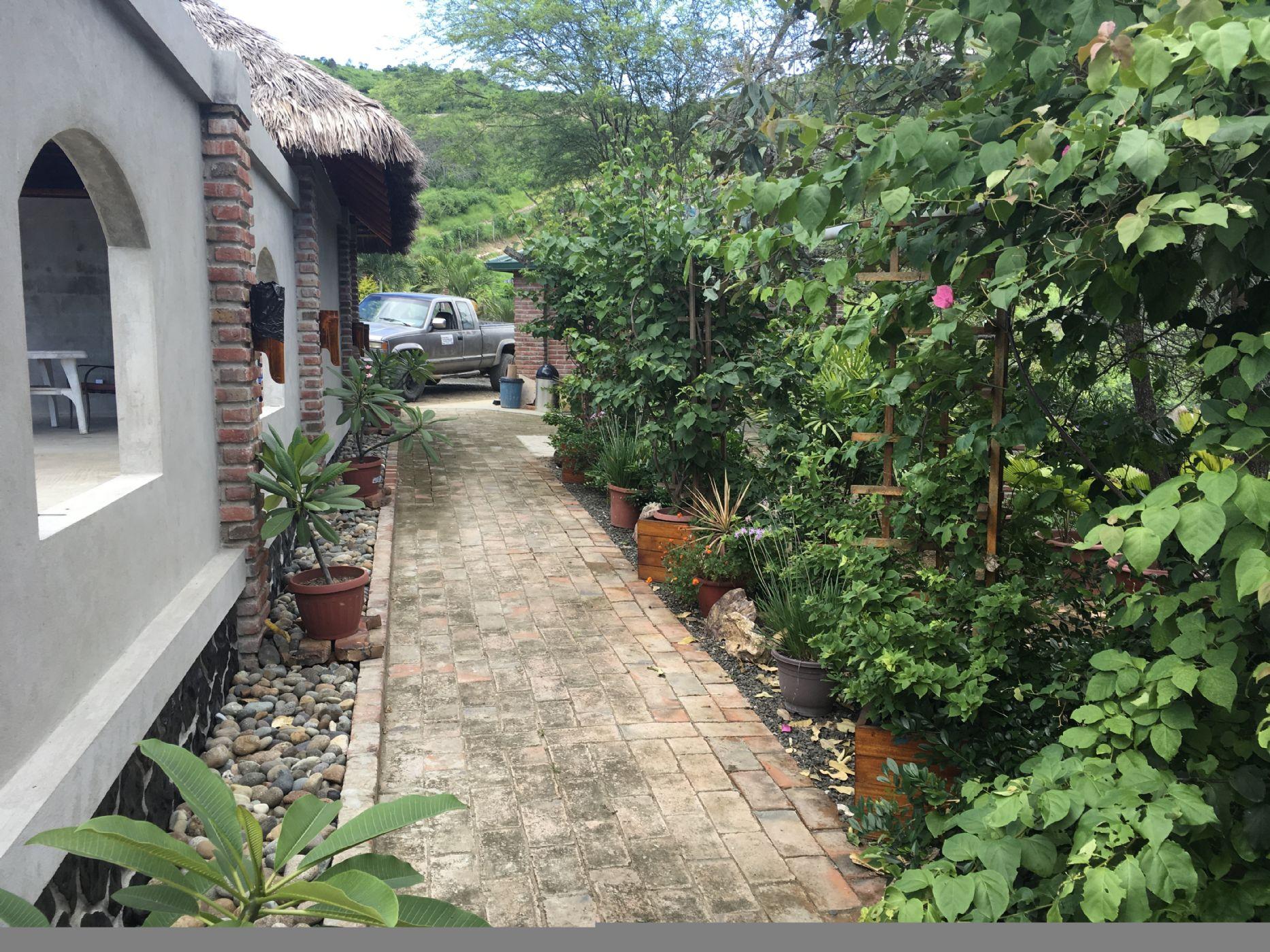 Puerto-Lopez-Ecuador-property-500544-2.JPG